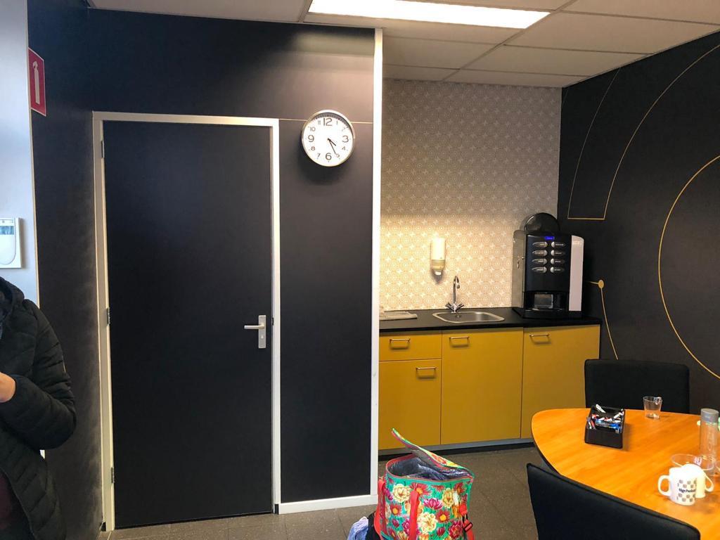 Indoor Signing Muren B-Present | Trim-Line Zevenbergen