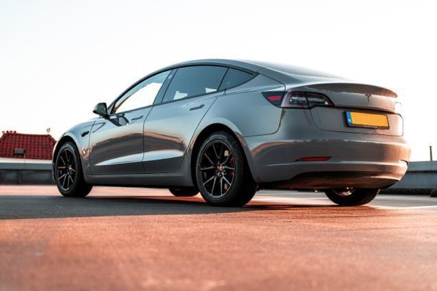 Tesla Carwrap | Trim-Line Zevenbergen
