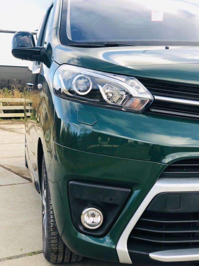 Close-up Full Wrap Toyota Bus | Trim-Line Zevenbergen