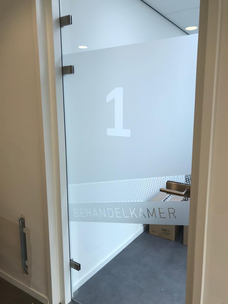 Maxim Dental indoor signing | Trim-Line Zevenbergen